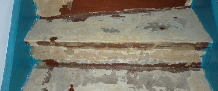 comment enlever la colle de la  moquette dans un escalier bois