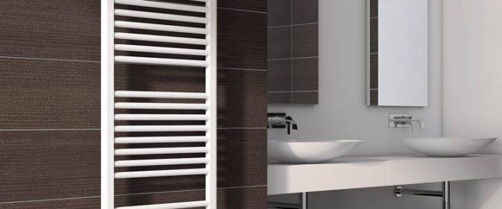 Où placer le radiateur sèche serviette dans la salle de bain ?